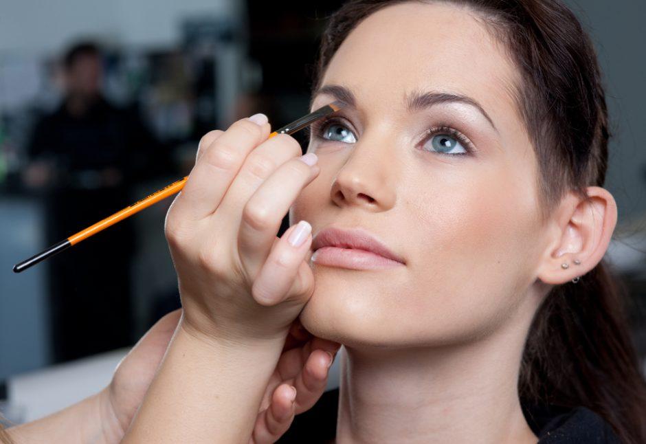 Resalta tus ojos claros con estos trucos de maquillaje: ¡Ilumina con tu mirada!