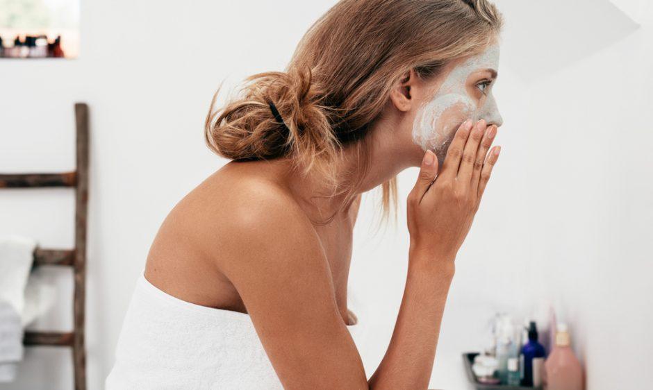 Descubre el tipo de exfoliación facial que más se adapta a tu piel