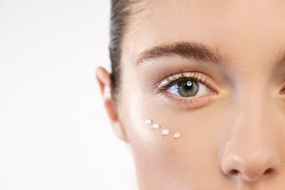 Cómo usar el contorno de ojos para tener una mirada radiante