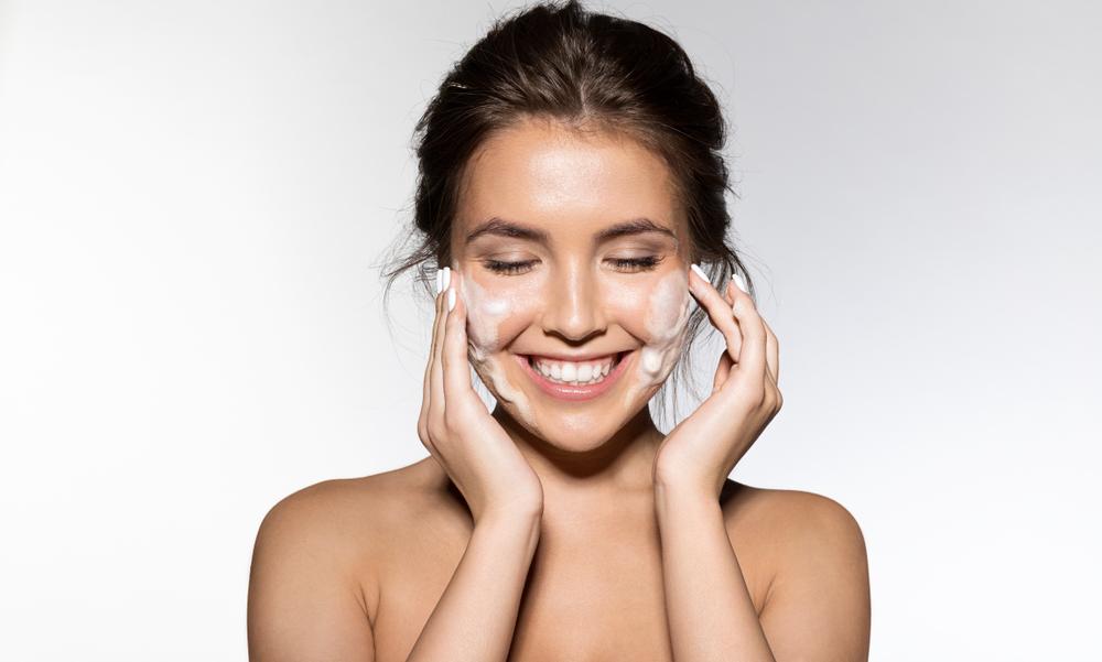 ¿Por qué la exfoliación de la piel es fundamental de cara al verano?