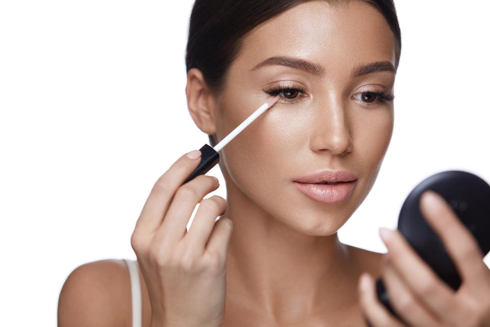 Remedios para las ojeras con estos trucos de maquillaje
