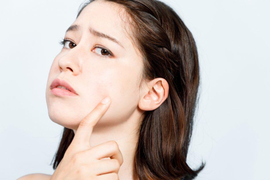 ¿Piel acneica en adolescentes? Trátala con estos productos